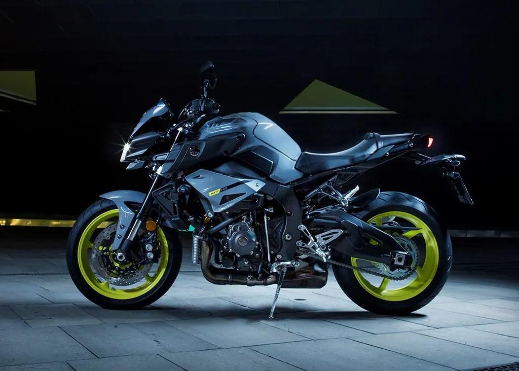 Yamaha Release Naked R1