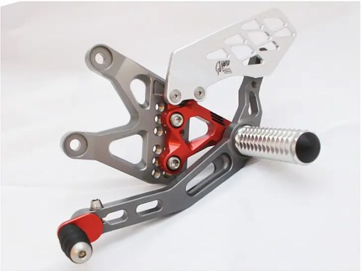 Triumph Daytona 675 2013 Titanium and Red Rearset Kit