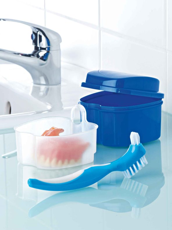 Kit de limpieza para prtesis dentales caja y cepillo