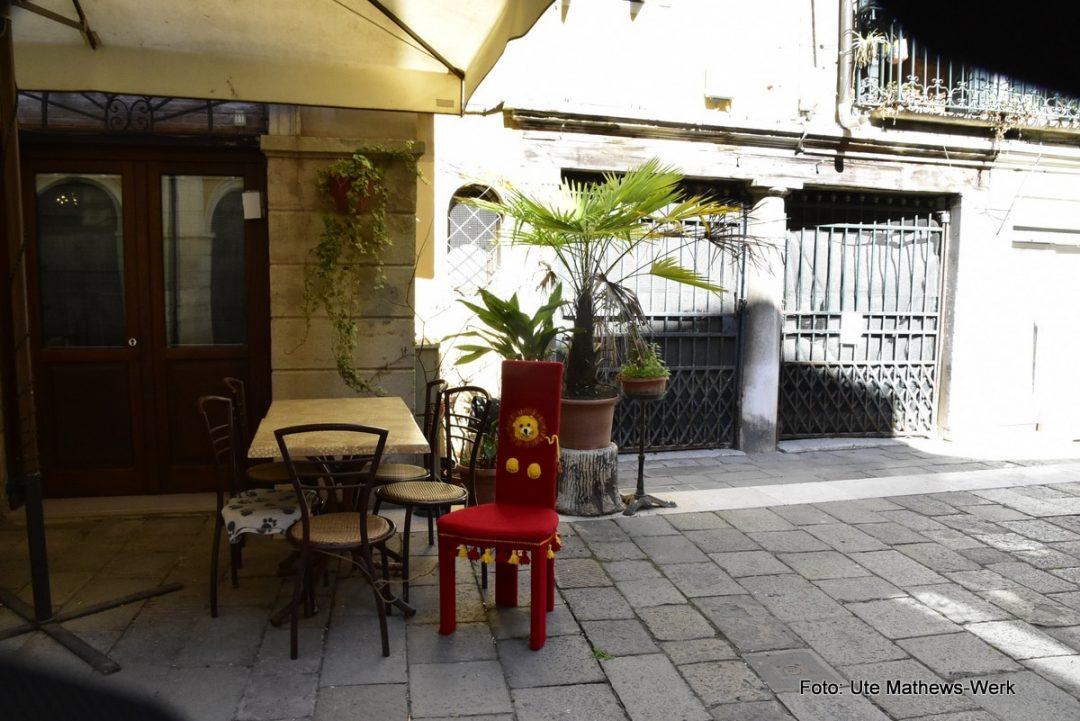 Venedig, Stuhl Venezia (Nr. 4) besucht das Ristorante Malibran