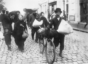belgian-refugees-in-antwerp-1914