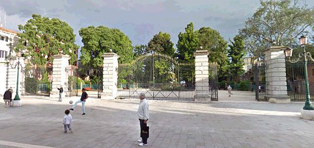 I Giardini di Via Garibaldi area di ristoro nel sestiere di Castello