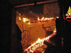 Torcello a fuoco un casolare utilizzato dai pescatori