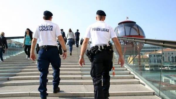 Borseggiatori arrestati sul Ponte di Calatrava