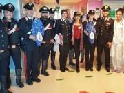 Carabinieri in ospedale: uova di Pasqua per i bambini della pediatria