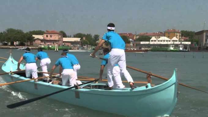 Venezia: 38° Regata interistituti di voga alla veneta