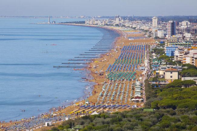 Controllo delle strutture del litorale: arrivano le prime sanzioni