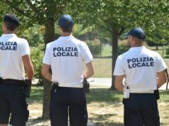 Daspo urbani: colti in flagranza spacciatore e cliente