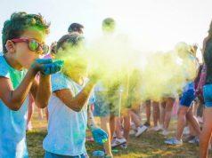 Bibione, domenica di arcobaleni e musica: arriva l'Holi