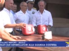 Donati due defibrillatori alla Guardia Costiera