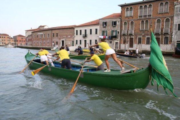 Murano: sfida tra vigili del fuoco di Venezia e New York