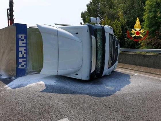 incidente autostrada a4 padova
