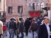 Affitti turistici selvaggi: il nuovo fronte di Brugnaro