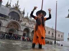 Halloween festa dalle scuole al centro di Venezia
