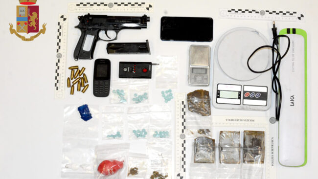 Pusher arrestato a Mestre: Cocaina, hashish, ecstasy in garage