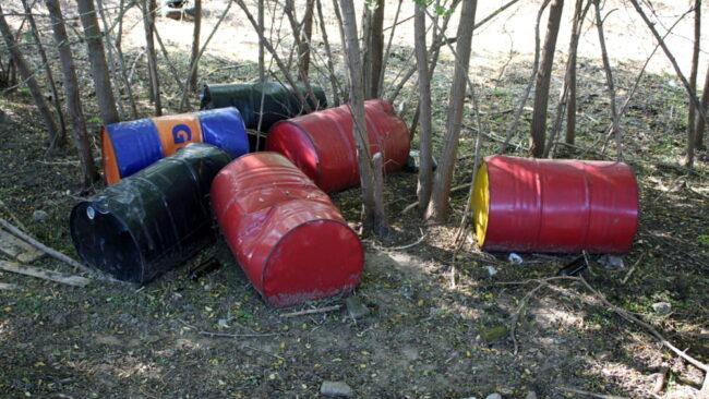 Discarica abusiva di barili d'olio esausto scoperta a Chioggia - Televenezia