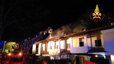 Moniego di Noale: a fuoco il tetto delle villette a schiera