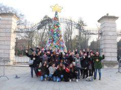 Albero di Natale tutto all'uncinetto colora via Garibaldi
