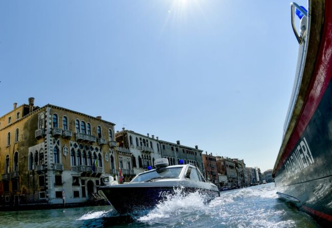 Controlli dei natanti a Venezia: 4 denunce e 2 sanzioni