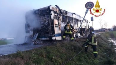 Photo of Autobus a metano prende fuoco a Marcon: panico