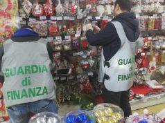 Addobbi di Natale irregolari: maxi sequestro a Venezia