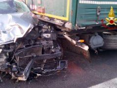 Autostrada A4, incidente tra auto e tir: 3 feriti