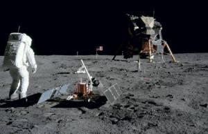 Nello spazio, incontri a pochi passi dalla Luna: ospiti e programma