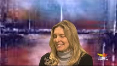 """Sara Zanferrari presenta il libro """"Né arrivo né partenza"""""""