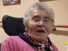 Casa di riposo: nonna Aurelia Ines in videoconferenza con figli e nipoti