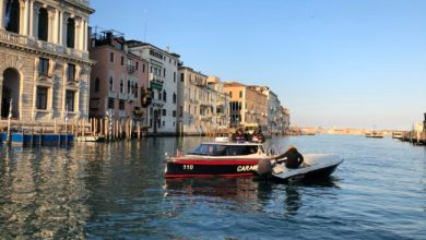 Photo of Coronavirus: denunce a Venezia. Due a spasso con l'hashish