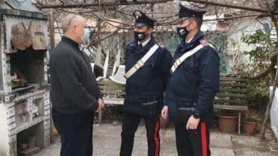 Carabinieri pagano la cioccolata rubata dal nonno