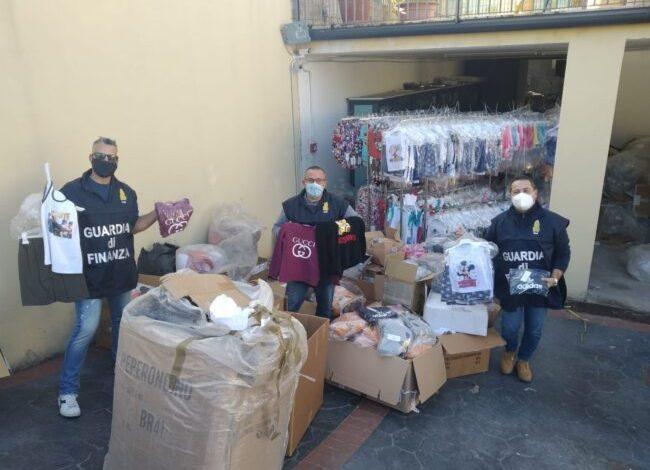 Sequestrati oltre 165.000 capi con marchi contraffatti
