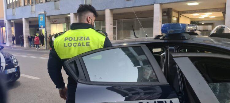 Spaccia eroina in Via Carducci: arrestato 33enne