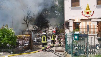 Incendio in un capanno a Marghera: anziano ustionato
