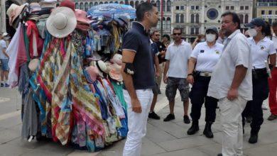 Banchi di souvenir a San Marco: ecco le nuove regole