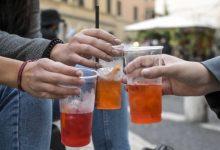 Venezia: alimenti e bevande solo al tavolo nel weekend - TeleVenezia