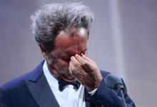 Sorrentino tra gioia e lacrime per il Leone d'Argento a Venezia 78