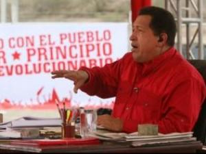 テレビ番組に出演するチャベス大統領