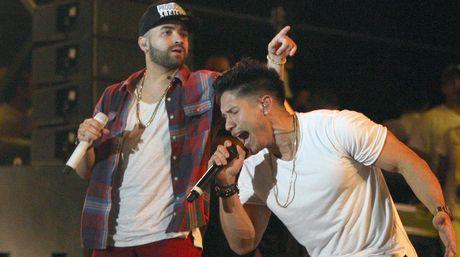 Chino y Nacho compiten por 3 Premios Lo Nuestro