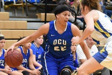 Daniela Wallen imparable en el baloncesto universitario