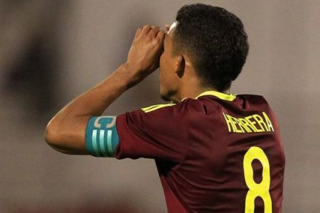 Quién es el venezolano Yangel Herrera, el sorprendente fichaje que el Manchester City mantuvo en secreto