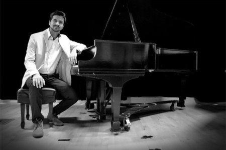 Venezolano Baden Goyo participa en disco de Blades