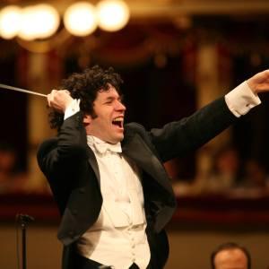 Dudamel dirigirá concierto del Premio Nobel con piezas de Mozart y Strauss