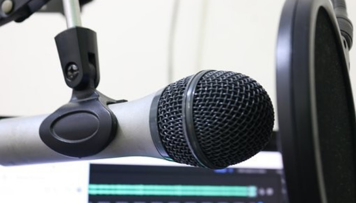 Guide On How To Launch A Successful Podcast 1