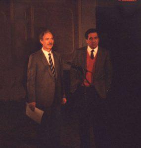 da sx Luciano Bonvento con Corrado Mantoni durante la partecipazione alla 'Corrida' di Canale 5