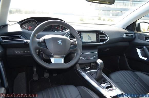 Peugeot 308 Allure 1.2 PureTech 110cv (17)