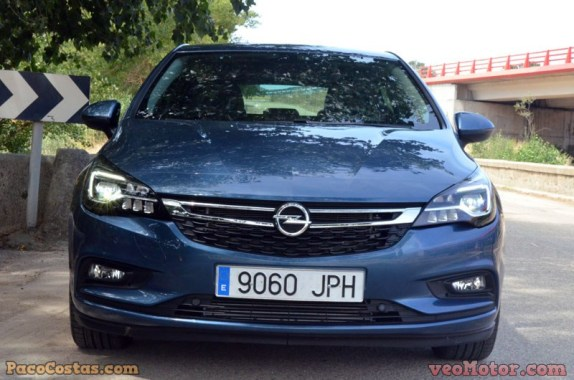 Opel Astra Excellence 1.4 T 150cv Aut (30)