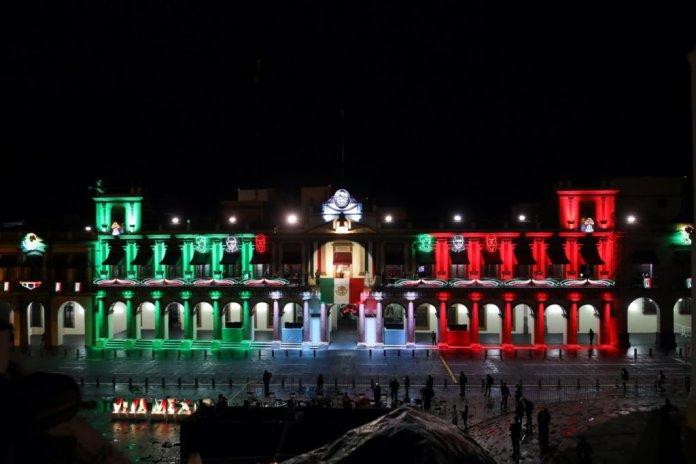 Palacio de Gobierno de Veracruz en la Noche del Grito por el 210 Aniversario del Inicio de la Independencia de México
