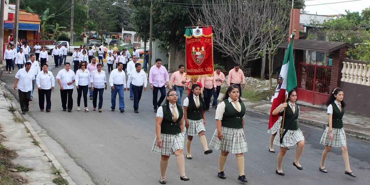 Participa alcalde en desfile de la Expropiación Petrolera