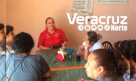 Candidata del PRI por el Distrito 01 aprovecha entrega de apoyos de PROSPERA